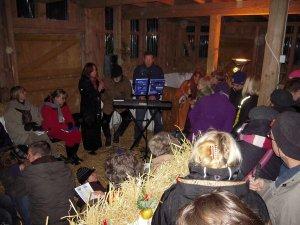 Weihnachtliches Stallsingen - stimmungsvoll und besinnlich
